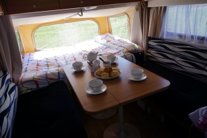 dinette-and-double-bed